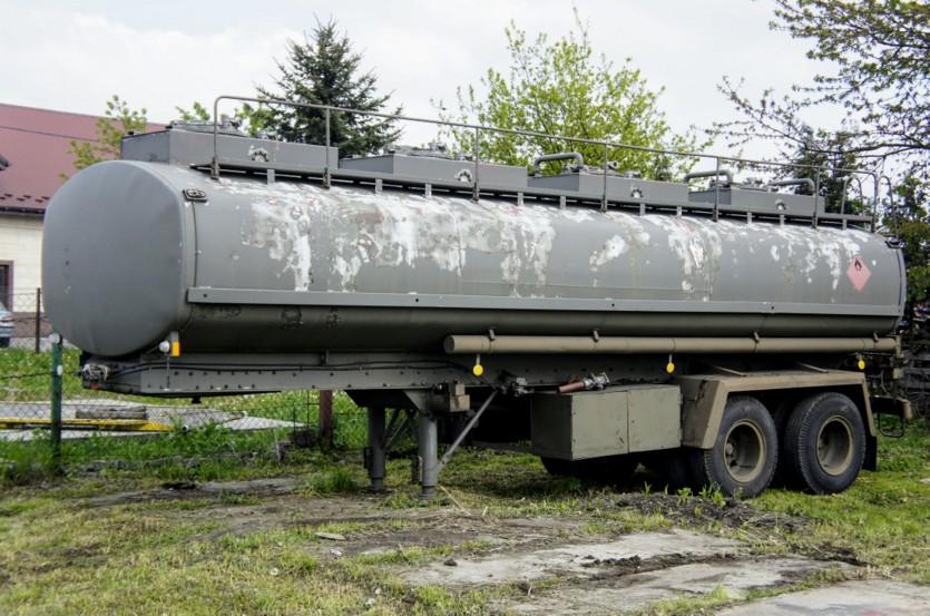 Cysterna paliwowa 25 000 l / 6 50 kg